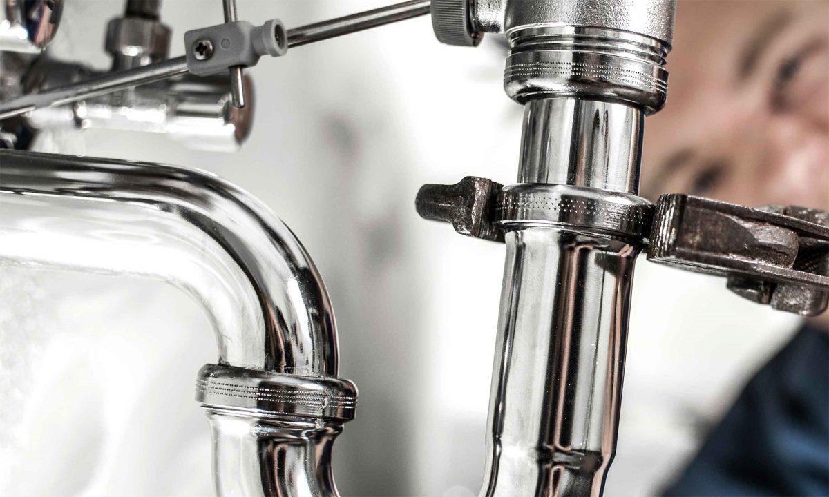 Fontanería, canalones y tuberías de PVC, cobre y galvanizados