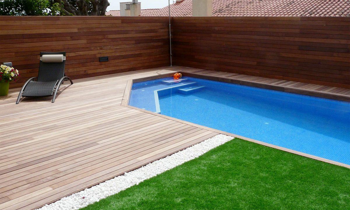 Jardines, piscinas y barbacoas